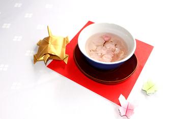 さくら茶 200円(35g) 300円(50g)